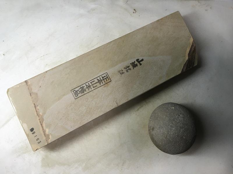 画像1: 天然砥石 正本山 山城銘砥中世中山 戸前烈梨地むしろ肌八寸40で六無地1.2Kg 9163