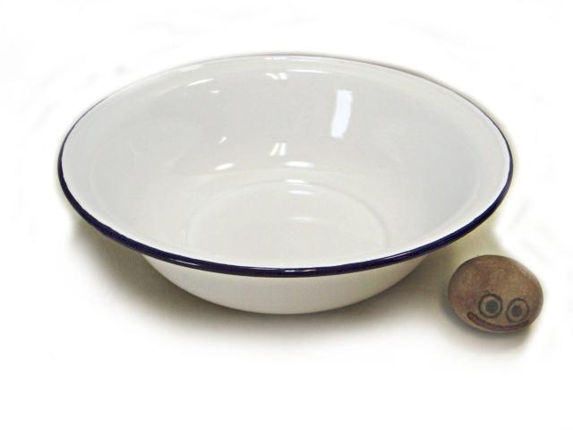 画像1: 日本製 淵色つき琺瑯の洗面器 32cm 綺麗な研ぎ水桶・伊予鉢水盤・家庭用にも